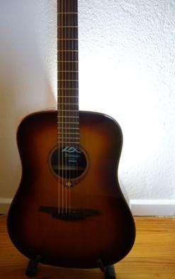 Gitarre klein
